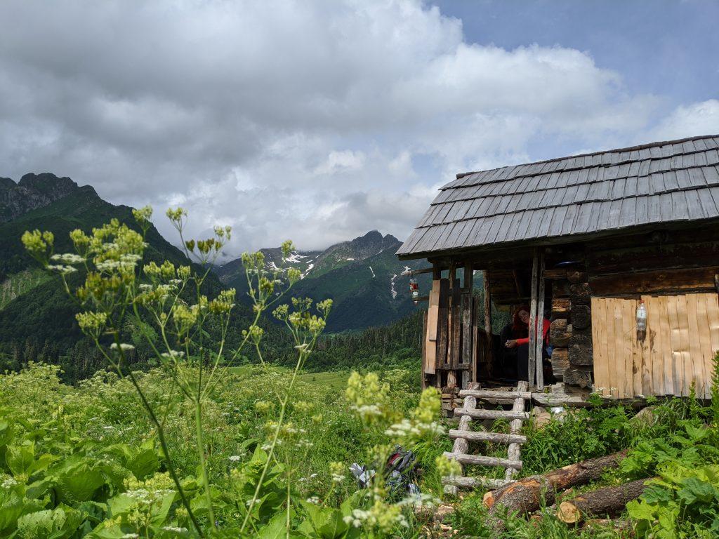 Hut on the way to Okrotskali